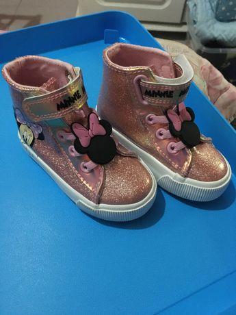 Vendo botinhas menina miniee novas