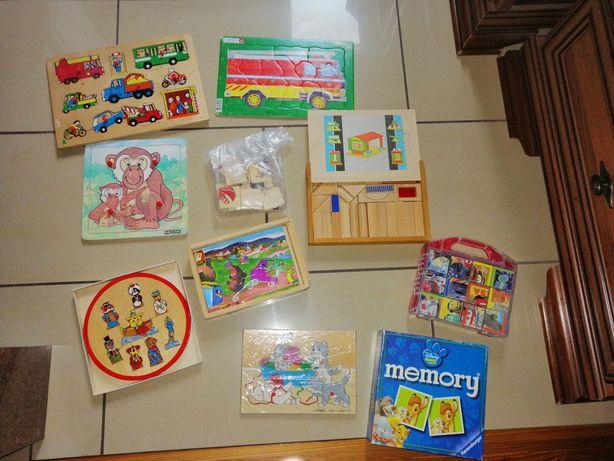 Układanki drewniane, zabawki