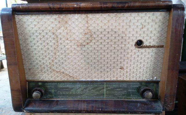 Ламповая радиола ВЭФ Аккорд