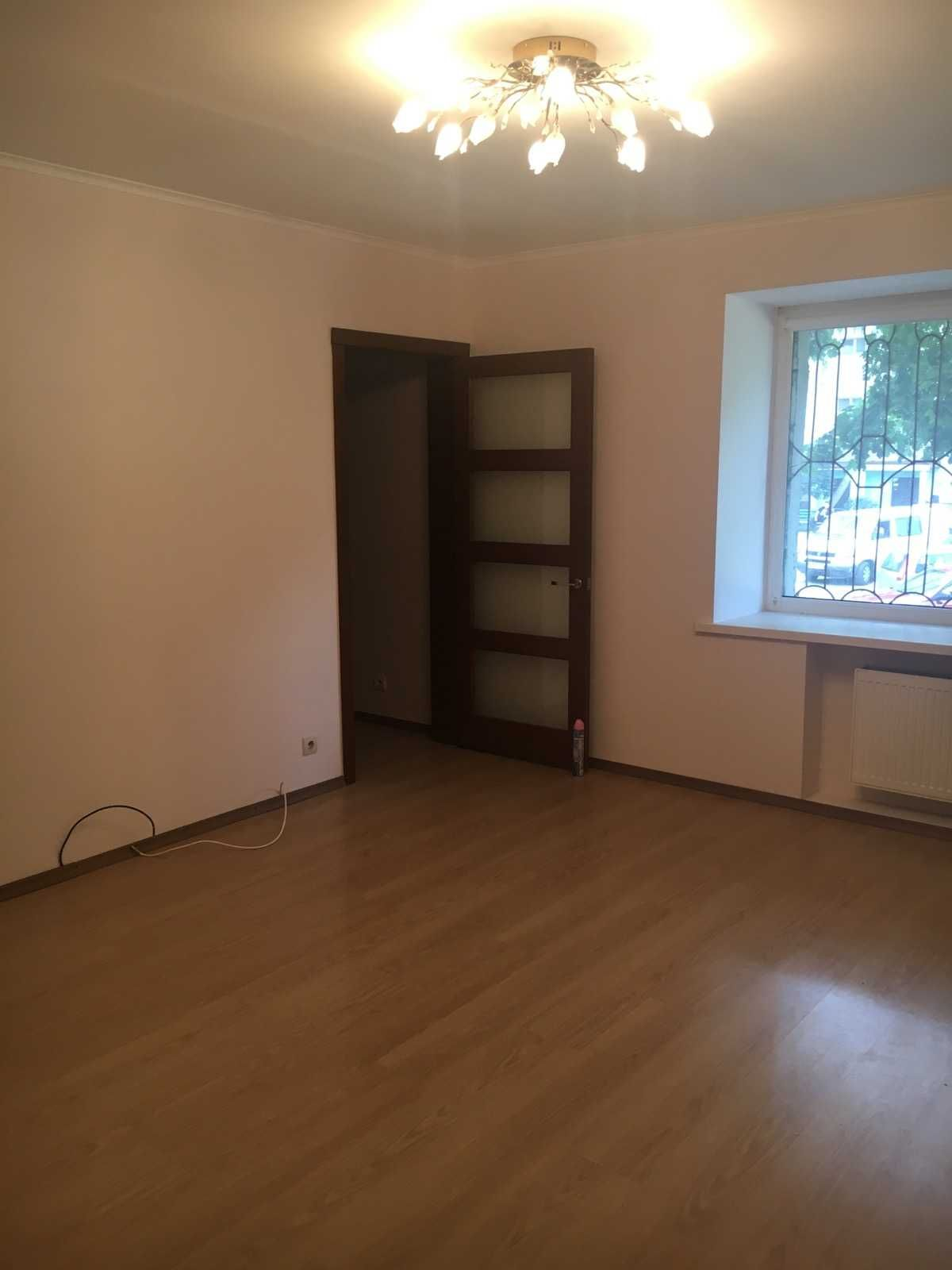 4 кімнатна квартира з автономним опаленням
