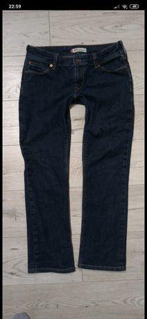 Spodnie levis 470