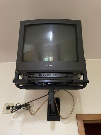 Vendo 2 televisões