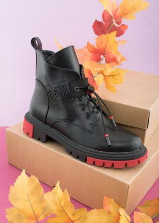 Стильные демисезонные ботинки