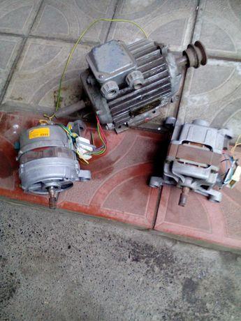 Элдвигатель ,от стир.маш.CANDY ,WHIRPOL .Барабан от CANDI