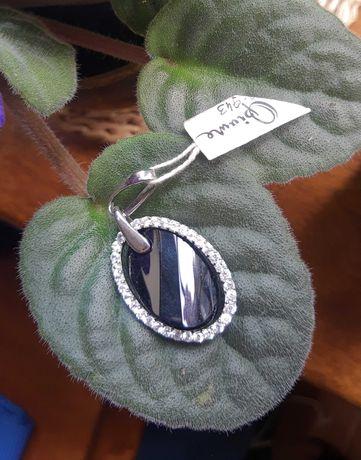 Srebrny wisiorek 925 nowy, onyks i cyrkonie