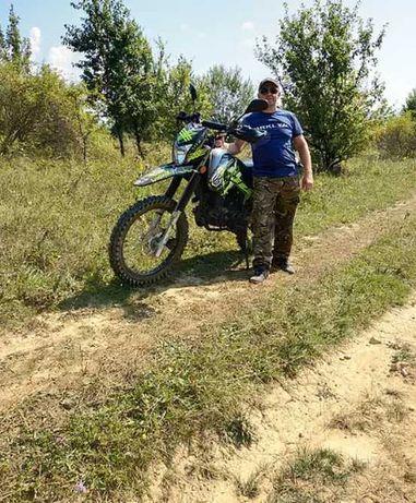 Мотоцикл гарний Geon X-Road 250СВ