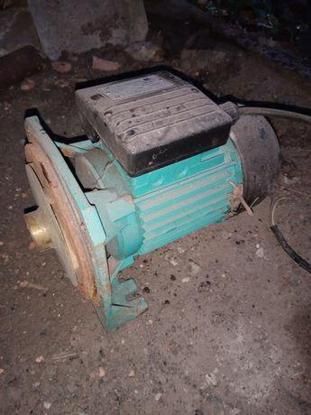 Електромотор для насосной станции