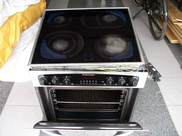 Piekarnik z płytą Electrolux