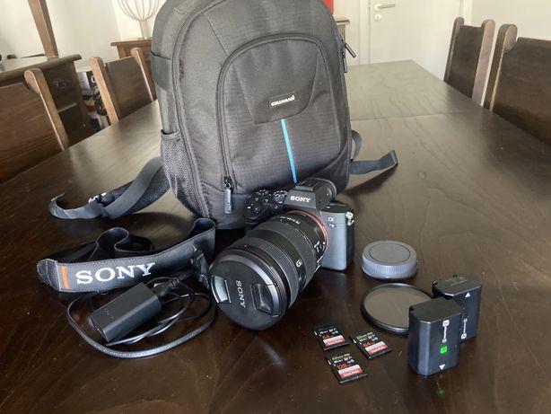 Sony A7 III + Sony FE 24-105 F4 G OSS + 3 cartões + 2 baterias + mala