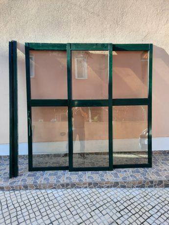 Portas/janelas de correr, aluminio, vidros duplos, verde.