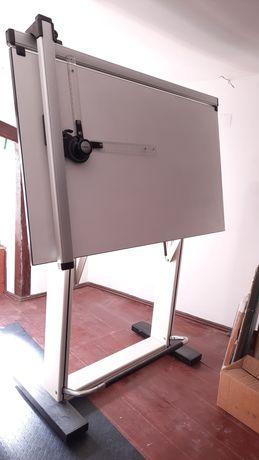 Cavalete e cadeira de desenho técnico / arquitectura com cadeira