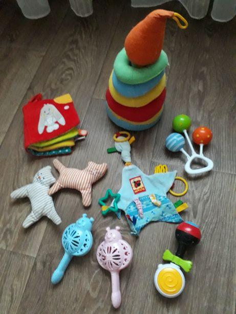 Продам пакет детских игрушек