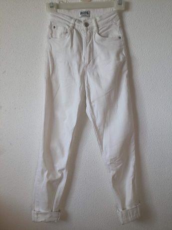 Calças brancas 32