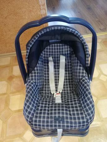 Fotelik-nosidełko z adapterem