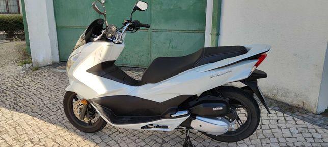 Honda PCX 125 poucos kms