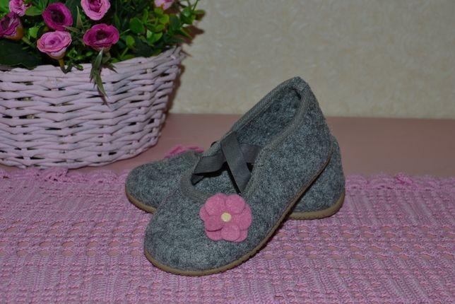 Замечательная, теплая сменная обувь, домашние тапочки Р. 24