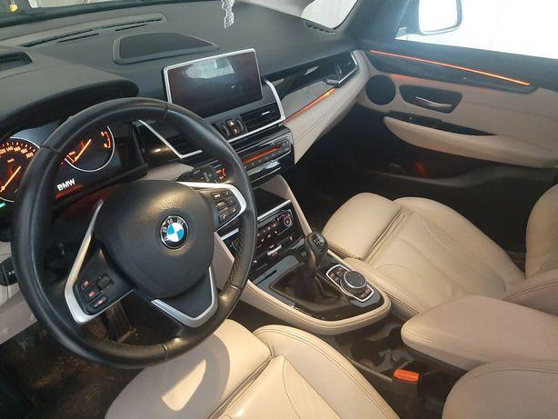 Sprzedam bardzo ładne BMW seria 2 wersja sport line zarejstrowany