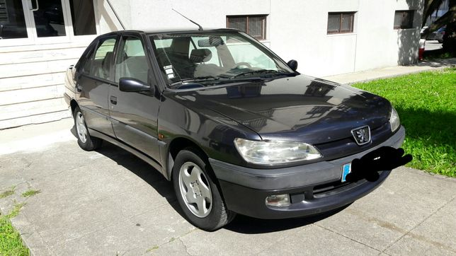 Peugeot 306 1.4 gasolina 98 (Avariado)