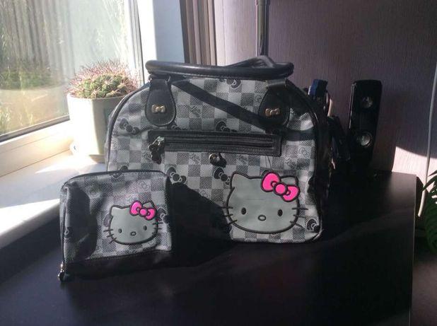 Продам сумку и косметичку Хеллоу Китти/Hello Kitty оригинал