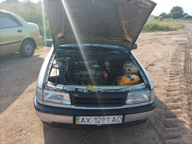 Opel Vectra а 1990год