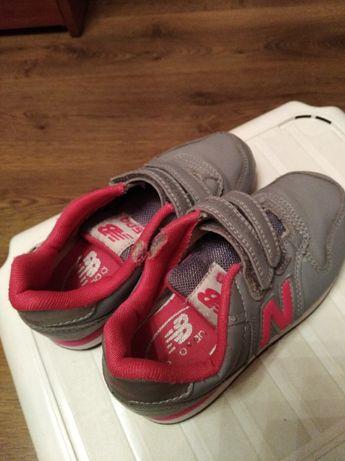 Buty sportowe dziecięce new balance, rozmiar 30