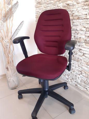 Profilowane fotele obrotowe wygodne i solidne