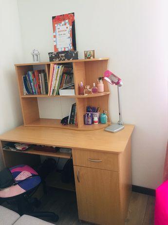 Письмовий стіл (комп'ютерний)