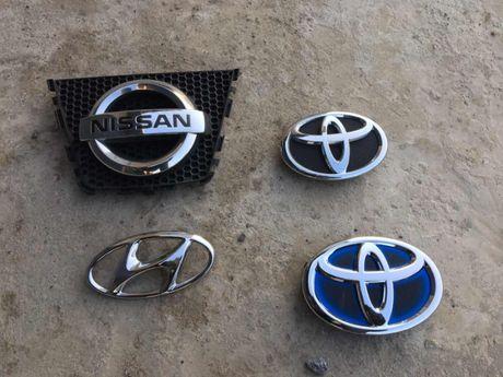 Ємблема значок Toyota Corolla Prius Nissan Qashqai Huyndai Tucsun