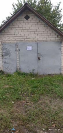 Продається гараж з погребом