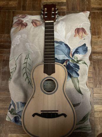 Cavaquinho- instrumento musical