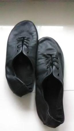 Балетки тапочки чешки новые черные фирменные кожа лайка р.33-34
