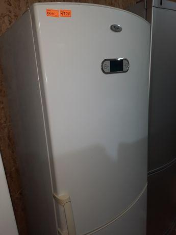 Продам холодильник Вірпул з гарантією та доставкою.
