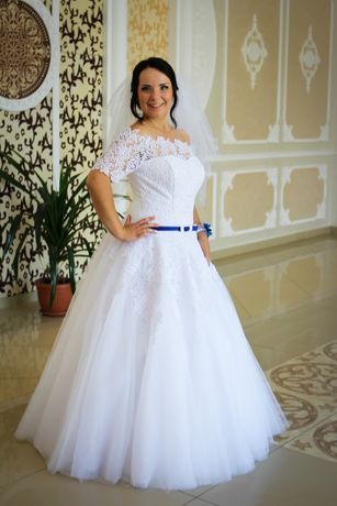Весільна сукня!