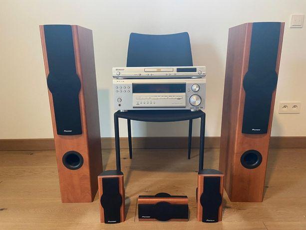 Kino domowe Pioneer VSX-D514: amplituner + DVD + kolumny + głośniki