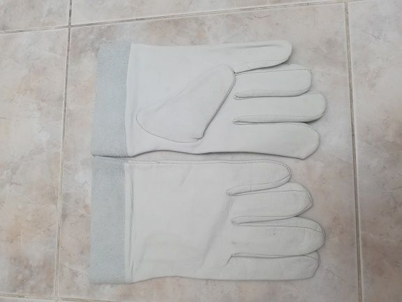Новые рукавицы (перчатки) для работы