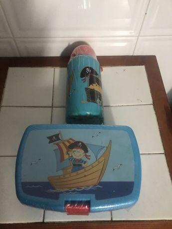 Lancheira e garrafa termica para criança