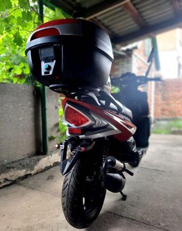 Продам скутер 50 кубиків ідеал
