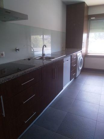Alugo apartamento T3 em Azurém