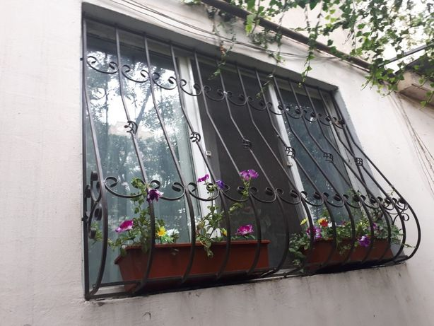 Решетки на окна и балконные ограждения под заказ! Одесса