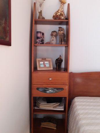 Movel de apoio / estante quarto de criança em pinho