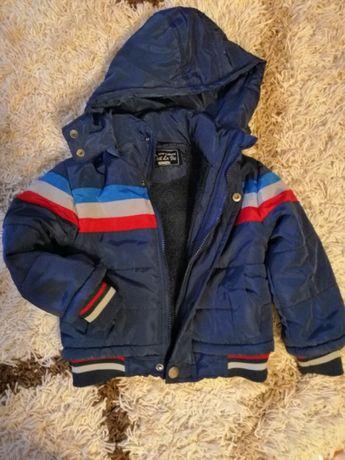 Демисезонная курточка, деми куртка на мальчика в отличном состоянии