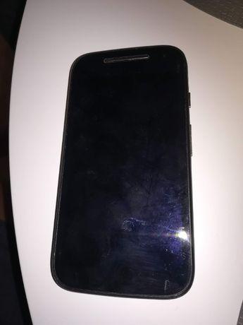 Telefon Motorola Moto E (druga generacja) z 4G LTE