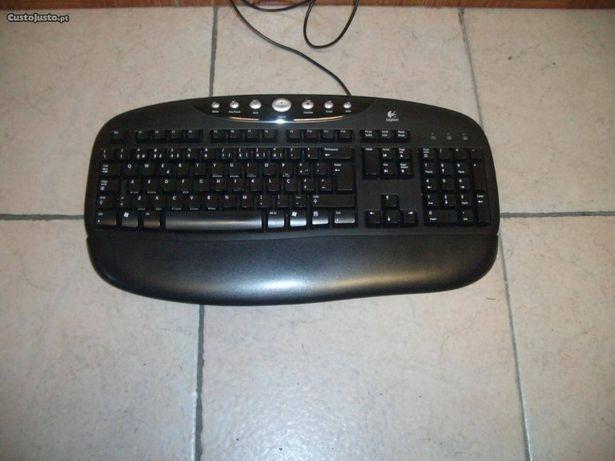 Teclado para PC preto