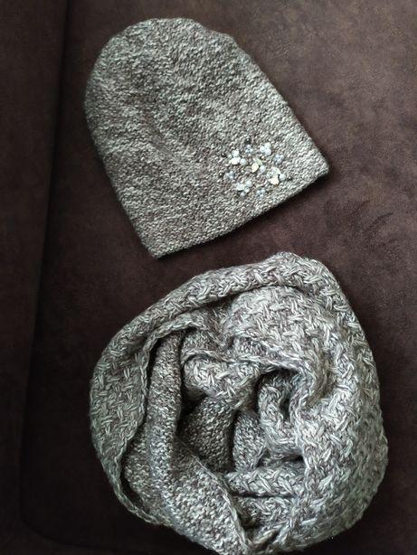 Красивый набор шапка и снуд