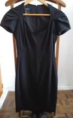 Vendo vários vestidos pretos, vários tamanhos e marcas!