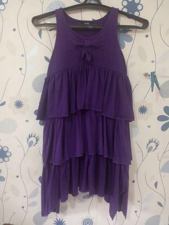 Гарна сукня для дівчинки
