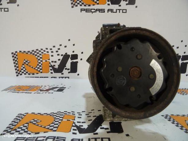 Compressor Do Ar Condicionado Audi A4 (8E2, B6) 447220 8424 / 6Seu12c