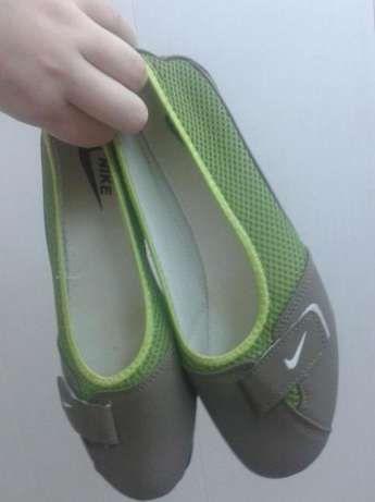 Спортивные мокасины NIKE , 39р на широкую ножку, обувь , тапочки