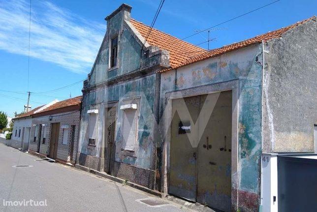Moradia típica para reabilitar a 5min do centro de Aveiro