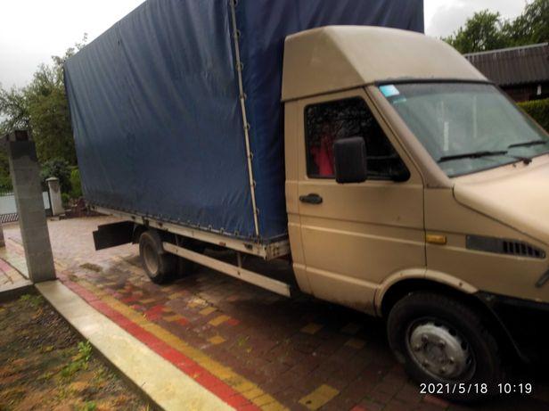 Надаю послуги по перевезенням вантажів по району та області. 4.80*2.30